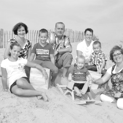 <strong>FAMILIE 10</strong>